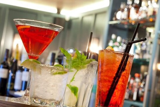 Maynooth, Ireland: Full Cocktail Menu Available