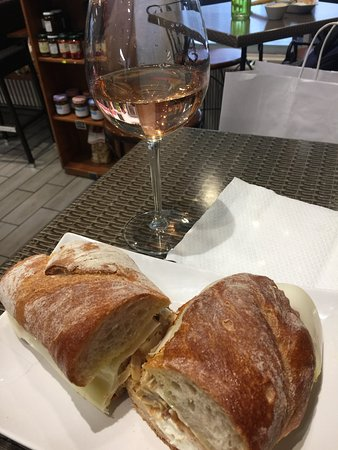 Il Monte Bianco: Nice, freshly-prepared sandwich!