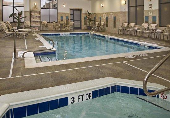Springfield, فيرجينيا: Indoor Pool & Whirlpool