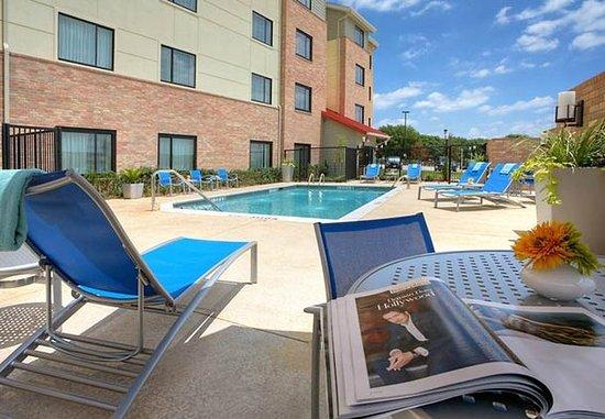 ลูอิสวิลล์, เท็กซัส: Outdoor Pool