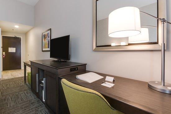 White House, TN: Room Living Area