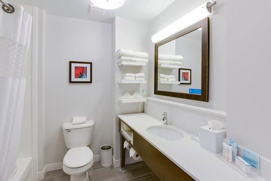 Hampton Inn White House: Bathroom