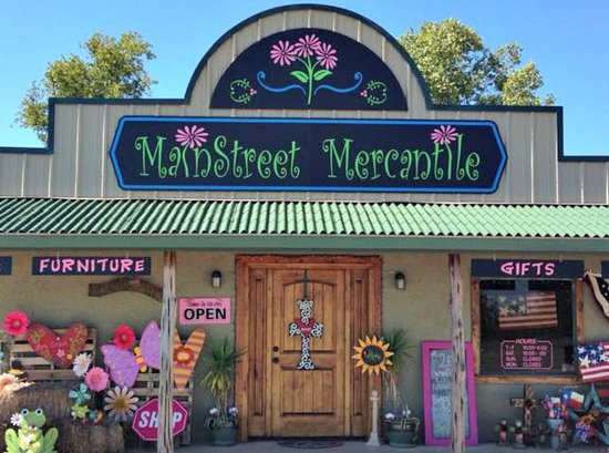 Hondo, TX: You can always find an irresistible treasure at MainStreet Mercantile 💗