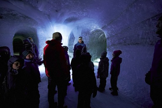 Lom, Noruega: History in the walls - the oldest ice here is more than 7000 years old.