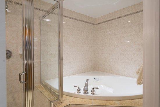 Herkimer, Nova York: Whirlpool Tub in Whirlpool Room