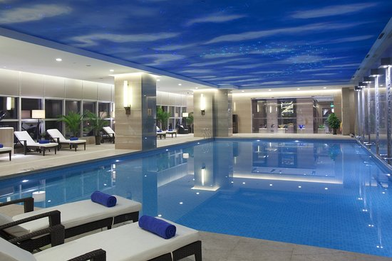 Swimming Pool Picture Of Crowne Plaza Hotel Xiangyang Xiangyang Tripadvisor