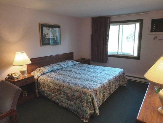 Eastern Inns: King Room