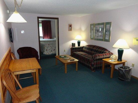 Eastern Inns: Suite