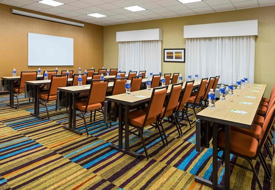 Huntingdon, PA: Meeting Room - Classroom Setup