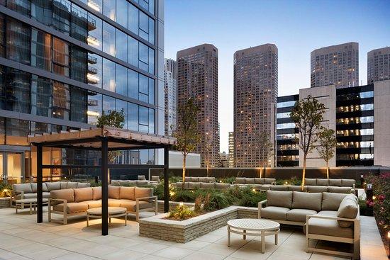 hampton inn chicago downtown west loop updated 2018. Black Bedroom Furniture Sets. Home Design Ideas