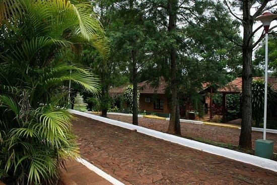 Pirayu Lodge & Resort: Garden´s area