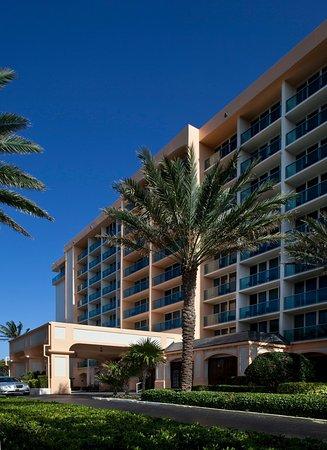 Jupiter Beach Resort: Hotel Front View
