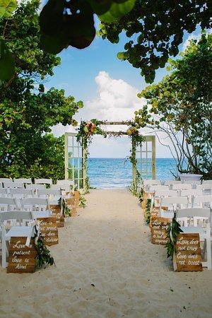 Jupiter Beach Resort: Sand Dune Wedding Ceremony