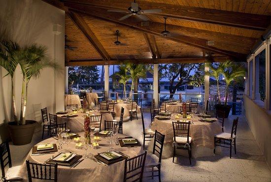 Jupiter Beach Resort: Terrace
