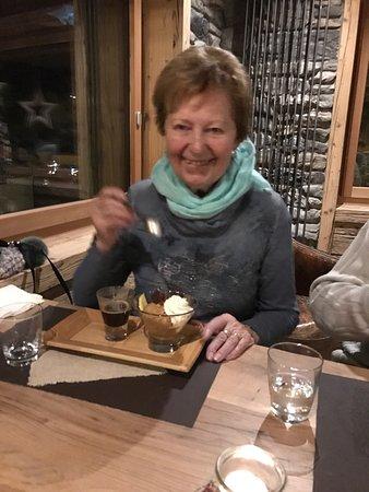Restaurant Chuestall : Tolles Ambiente im neuen Chüestall...und auch die Küche und der Service bleiben Spitze! Steaks u