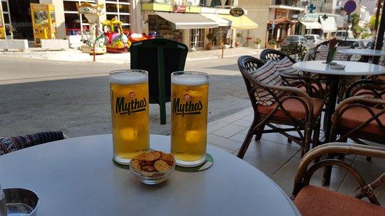 Plage de Tolo : The best greek beer