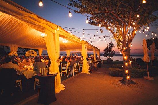 Kirkland, WA: Woodmark Hotel_Weddings_Tent Sunset