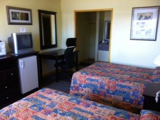 Alpine, TX: Doubleguestbedroomview