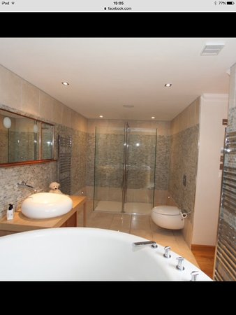 Banff, UK: Master Ensuite