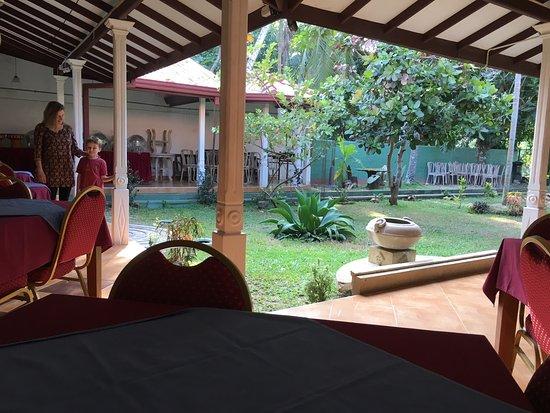 Green View Hotel Katunayake: photo1.jpg