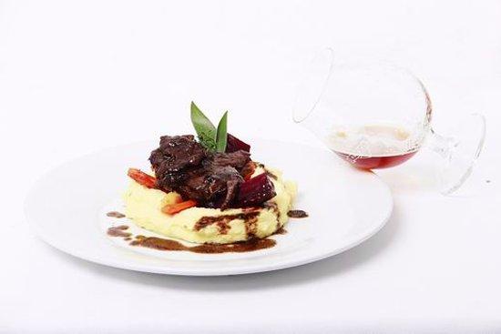 Kromeriz, Repubblica Ceca: Hovězí líčka, bramborová kaše - Beef cheeks, potato puree
