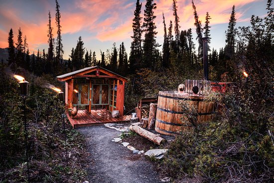 Glacier View, AK: Take a relaxing soak in our wood-burning hot tub