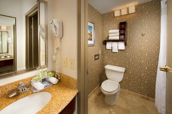 Woburn, Μασαχουσέτη: Guest Bathroom