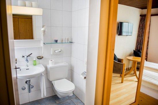 Falera, Sveits: Bathroom