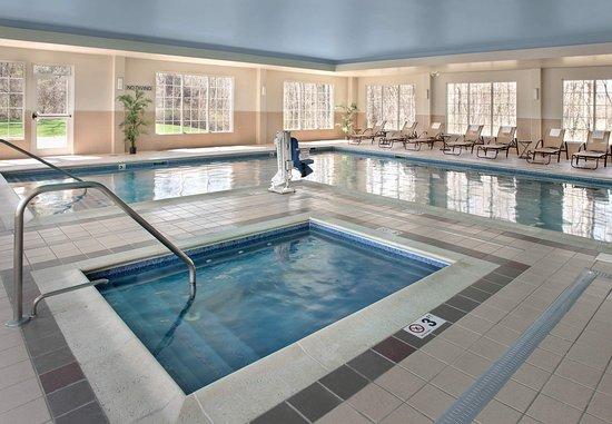 Great Barrington, MA: Indoor Pool & Spa