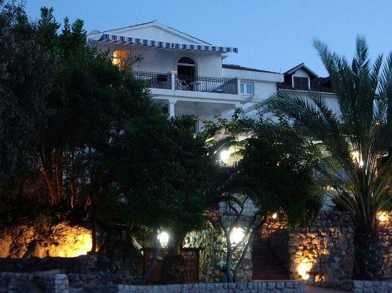Тиват, Черногория: Vizantija_Hotel_exterior