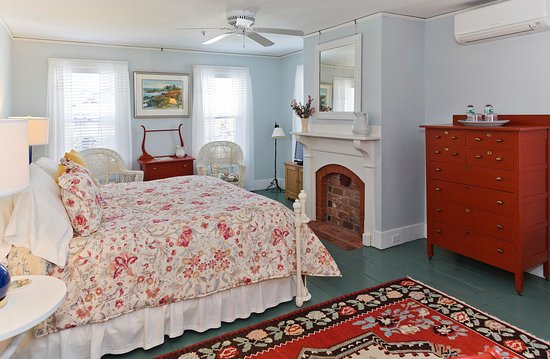 Yellow House Bed Breakfast Bar Harbor Me