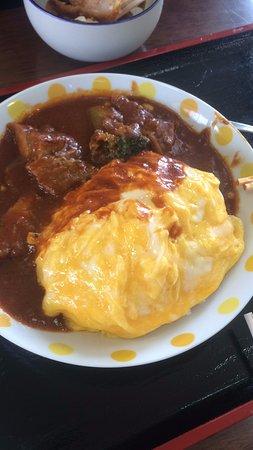 Shimukappu-mura, ญี่ปุ่น: 滑蛋咖哩豬肉定食