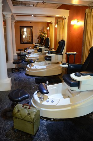 Brookfield, WI: Pedicure area