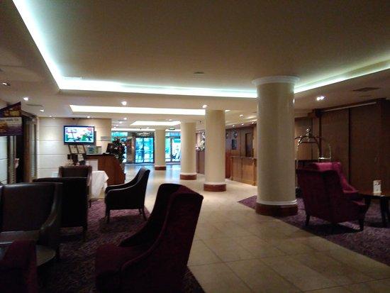 Academy Plaza Hotel: IMG_20170119_145235_large.jpg
