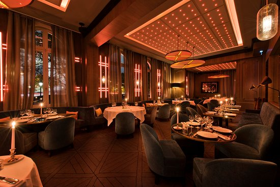 Photo of Restaurant Victoria Paris at 12 Rue De Presbourg, Paris 75116, France