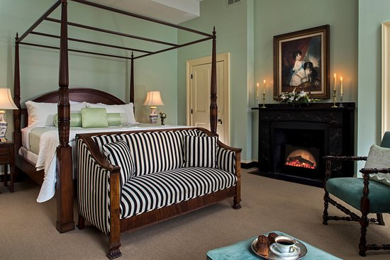 Rachael's Dowry Bed and Breakfast: Audrey Genevieve Suite