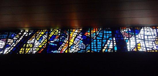 Eglise catholique de Moutier (vitraux)