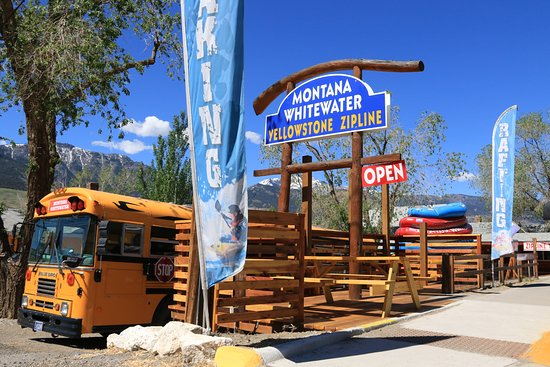Gardiner, MT: Driving through town, stop on in! Our bus is ready to go!