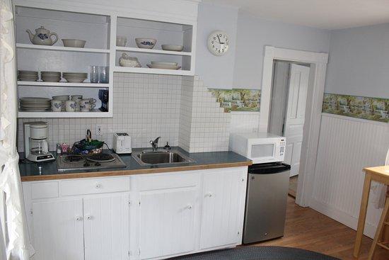 Omena, MI: Garden Suite apartment
