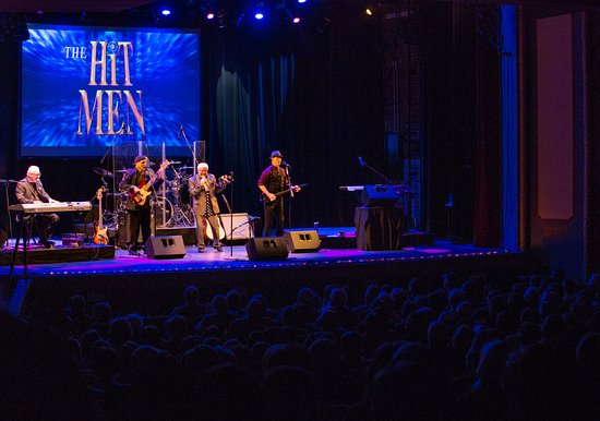 Marietta, Οχάιο: The Hit Men at Peoples Bank Theatre, January 14, 2017