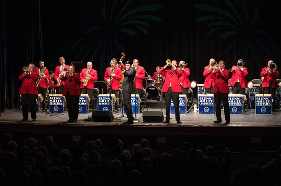 Marietta, OH: Glenn Miller Orchestra at Peoples Bank Theatre, May 14, 2016