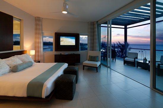 Gansevoort Turks + Caicos: Penthouse Master at Sunset