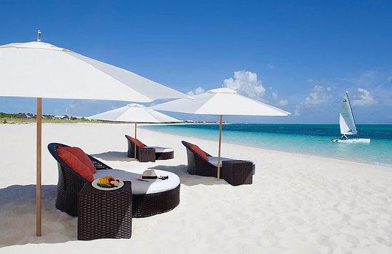 Gansevoort Turks + Caicos: Beach View from Beach Beds
