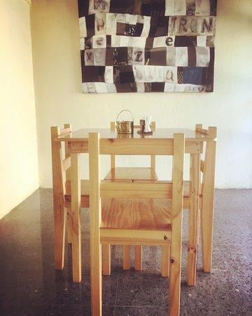 San Ramon, Costa Rica: Al hospedarte con nosotros puedes disfrutar de un desayuno incluido en nuestra área de comedor.