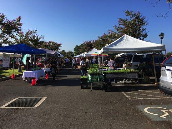 Pukalani, Hawái: Entering the Upcountry Farmers Market
