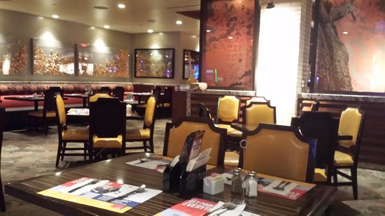 Feast Buffet at Boulder Station : Great decor, warm and cozy!