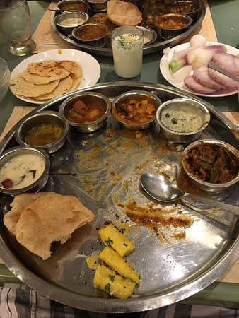 veg restaurants deals in mumbai