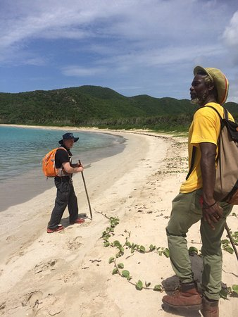 Cades Bay, Antigua: Dasa our guide for our trek