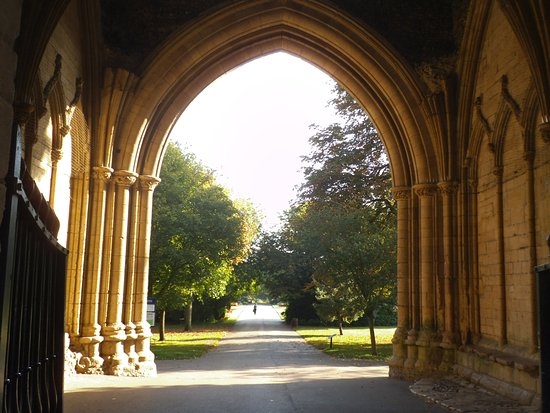 Bury St Edmunds, UK: View through he Abbeygate into Abbey gardens