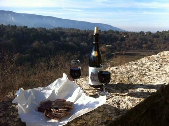 Lacoste, Francia: The délicious wine of Luberon